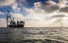 El metal gallego se prepara para desembarcar en la eólica marina