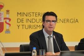 Soria advierte de que el déficit de tarifa de 2013 ya no irá a los mercados y lo financiarán las empresas