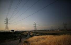 La reforma eléctrica hace agua con un déficit 'sorpresa' de 3.000 millones