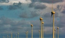 Las asociaciones AEE y AEOLICAN analizarán los retos de la energía eólica en Canarias
