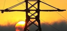 Los consumidores españoles, los más descontentos con su compañía de luz y gas