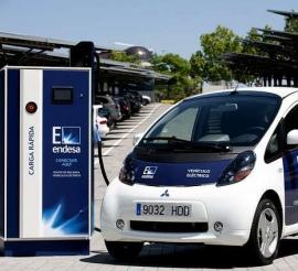 El Ayuntamiento adquiere siete coches 100 % eléctricos