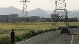 El PNV acuerda con el Gobierno central reducir la tarifa eléctrica de la industria vasca