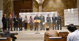 La Junta y siete entidades se unen para favorecer la inversión en renovables