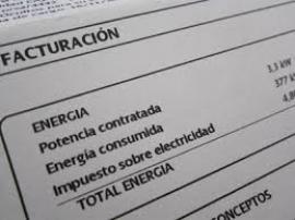 Las eléctricas quedan obligadas a ofrecer contratos anuales con coste fijo del kilovatio
