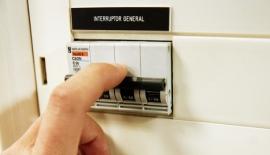 Cuatro formas diferentes de facturar el precio de la luz a partir de abril