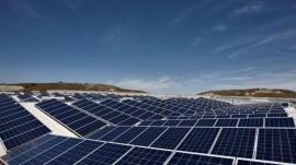 """El Defensor del Pueblo pregunta al Gobierno cómo """"compensará las pérdidas"""" de los fotovoltaicos"""