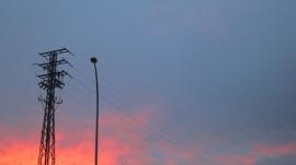 Los pequeños distribuidores de luz dicen que la incertidumbre regulatoria daña la recuperación