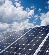 El Supremo rechaza el recurso de Unesa contra los peajes de luz de 2013 y el crédito de 2.200 millones