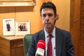Soria dice que los consumidores se han ahorrado al menos 15.000 millones con la reforma energética