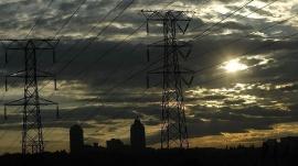El consumo eléctrico de las grandes y medianas empresas creció un 4,3% en el mes de julio