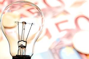 Desciende un 8% la deuda del sector eléctrico en España